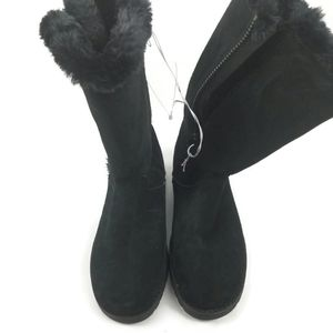 Universal Thread Zip up Boots
